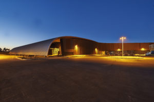 Entrepôt Sicsoe de nuit